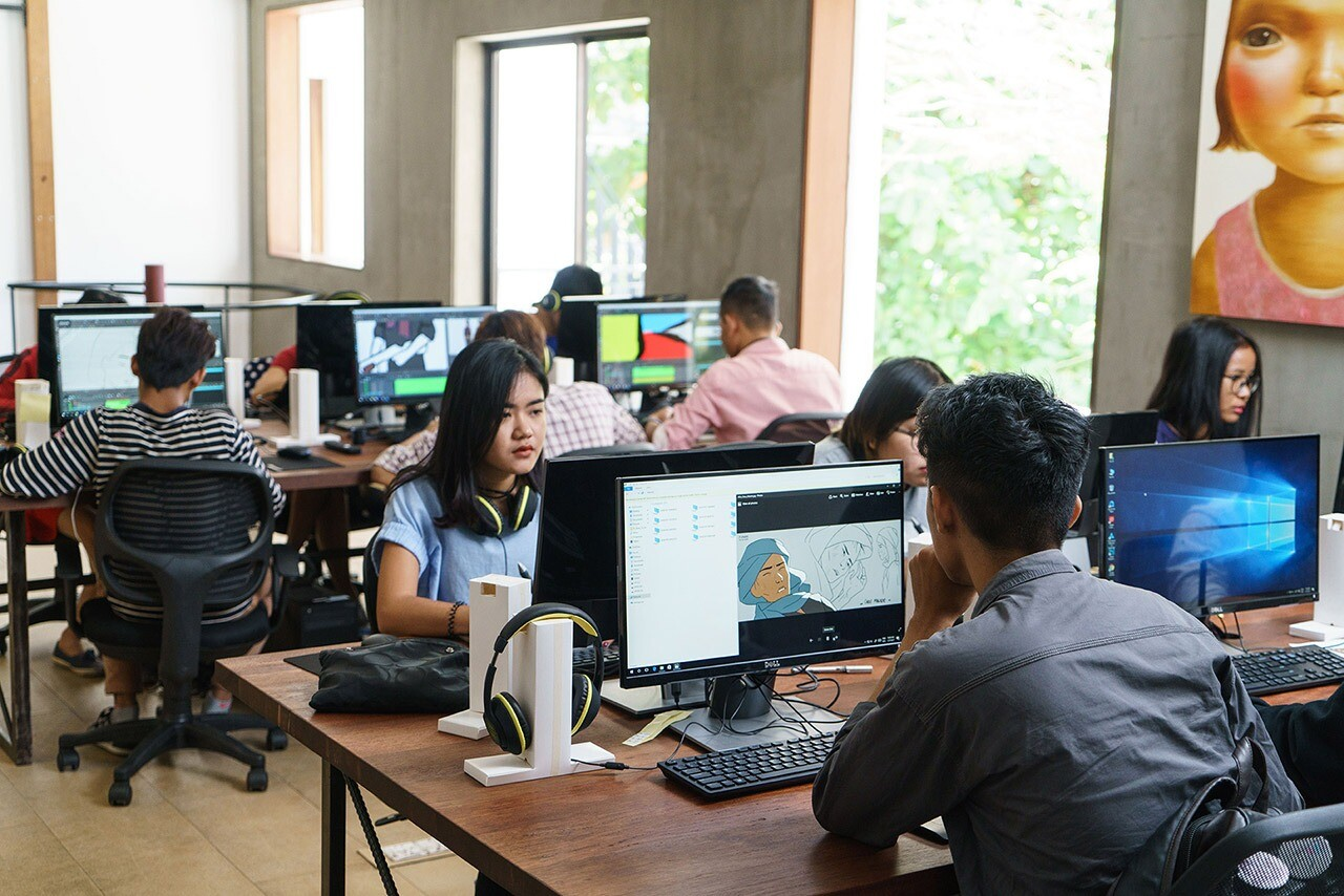 Students Learning Animation at ithinkasia